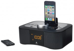 Custom format S400i CTG1 300x209 Logitech introducerer clockradio til iPod og iPhone