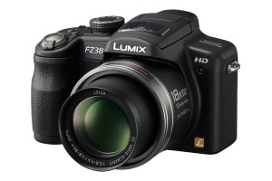 DMC FZ38 01 300x200 Review: Panasonic Lumix DMC FZ38
