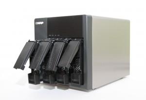 QNAP-TS420-bays