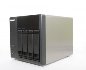 QNAP-TS420-front