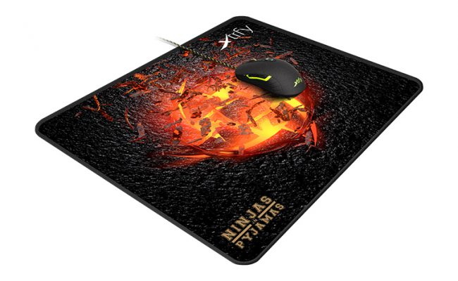 Test: Xtrfy XTP1 Volcano edition Large Ninjas in Pyjamas teampad