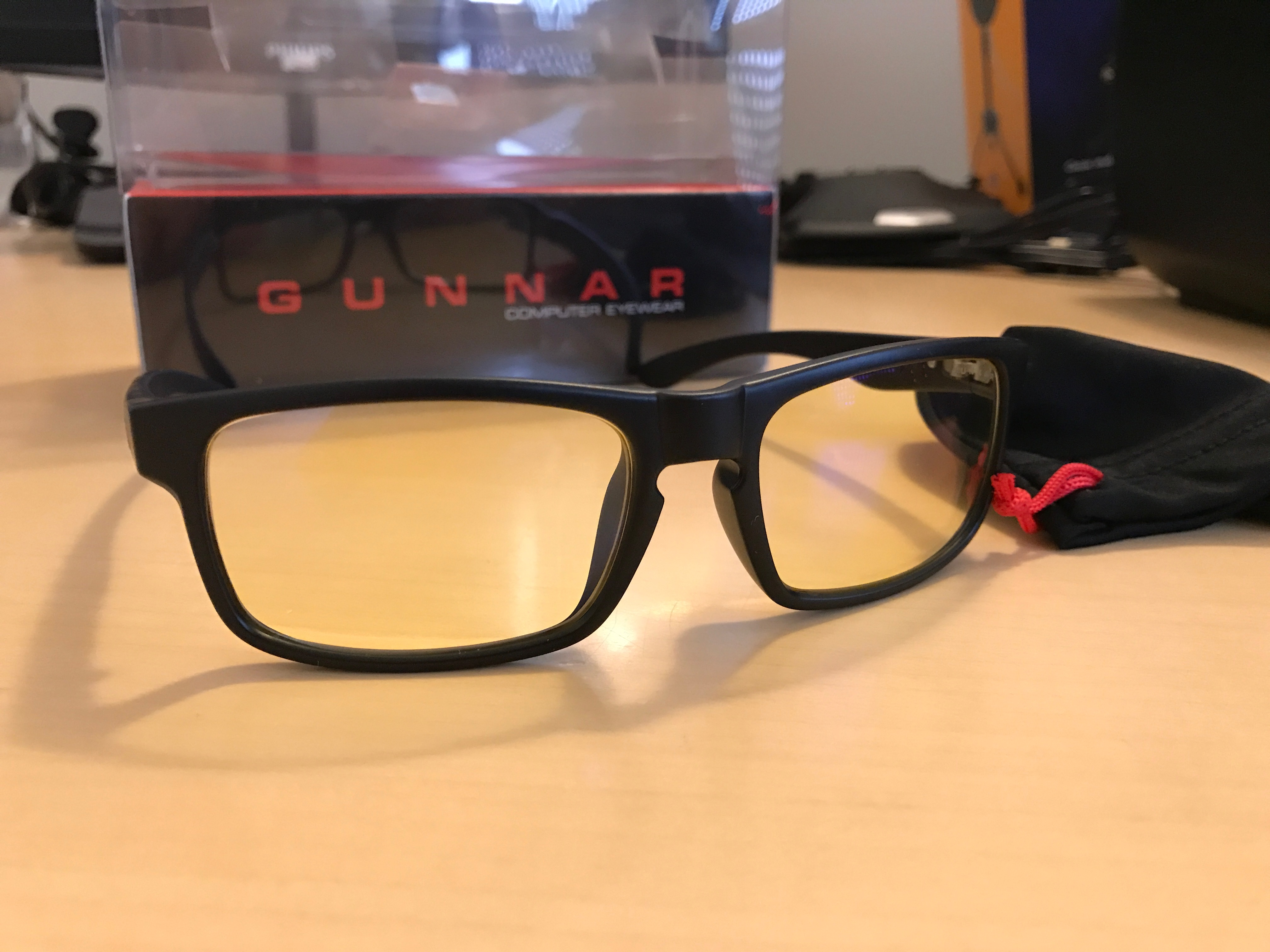 5b1dde20155f Design. Brillestel og brillestænger på GUNNAR Enigma ...