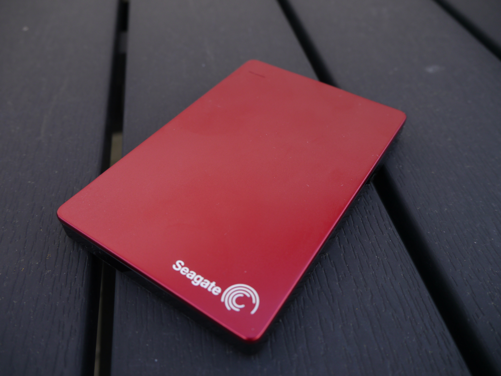 Anmeldelse Seagate Backup Plus Slim Portable 1tb Red 2edition 01