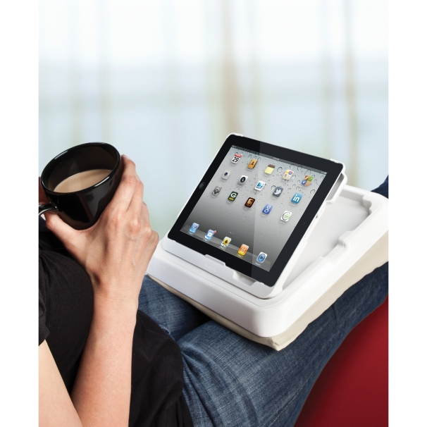 ipad holder til seng Anmeldelse: Targus Lap Lounge for iPad 2 | eReviews.dk ipad holder til seng